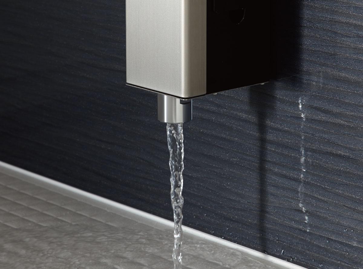 より上質で身体を包み込むような入浴感と、優雅なここちよさをかなえる浴槽デザイン。